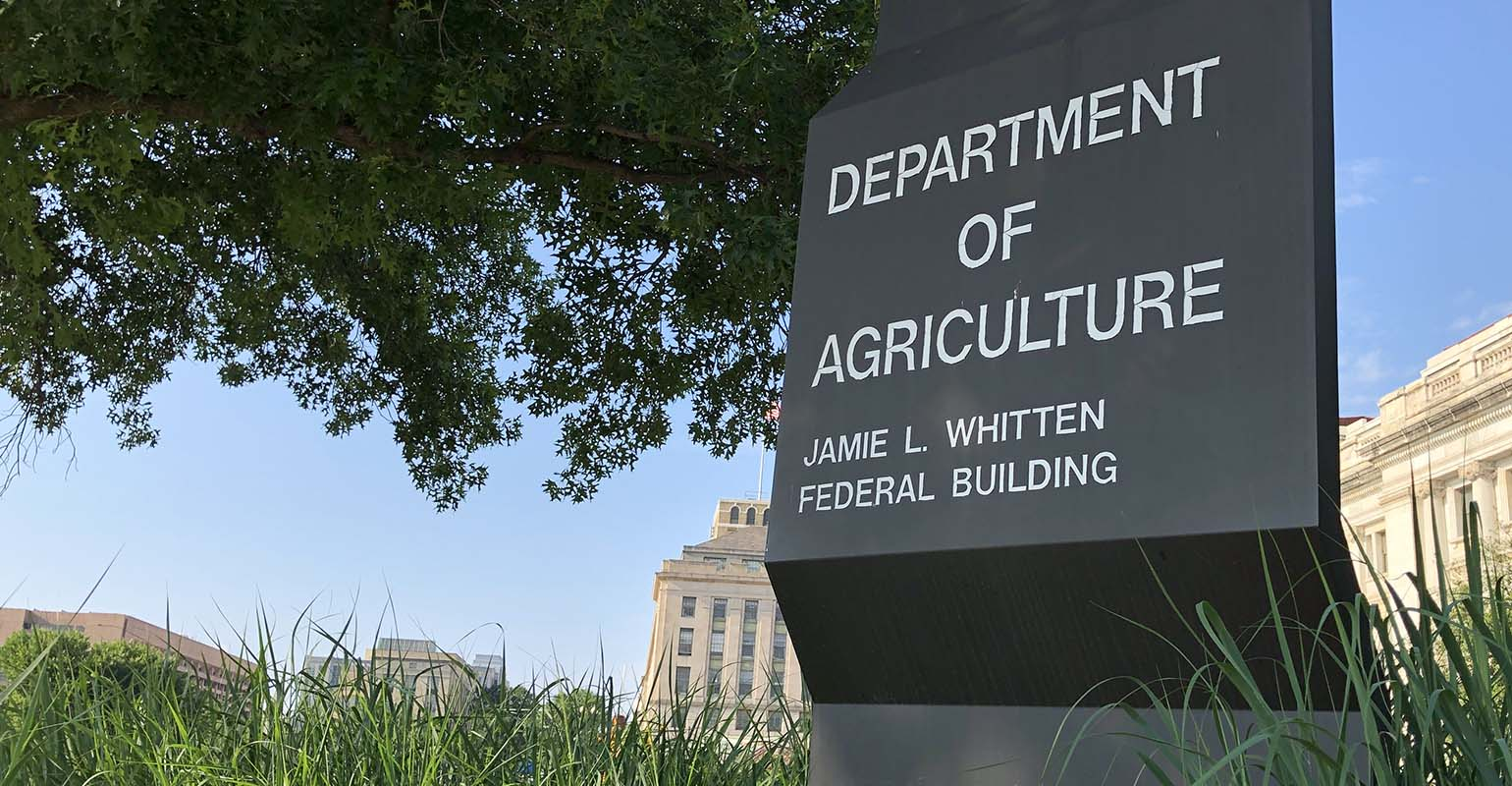 Ag groups call for quick confirmation of Vilsack