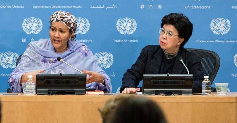 Deputy Secretary-General Amina Mohammed (left) briefs journalists on antimicrobial resistance. She was joined at the briefing by Margaret Chan, Director-General of the World Health Organization (WHO)