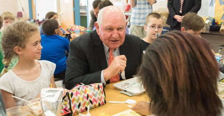 Ag Sec. Sonny Perdue chats with kids