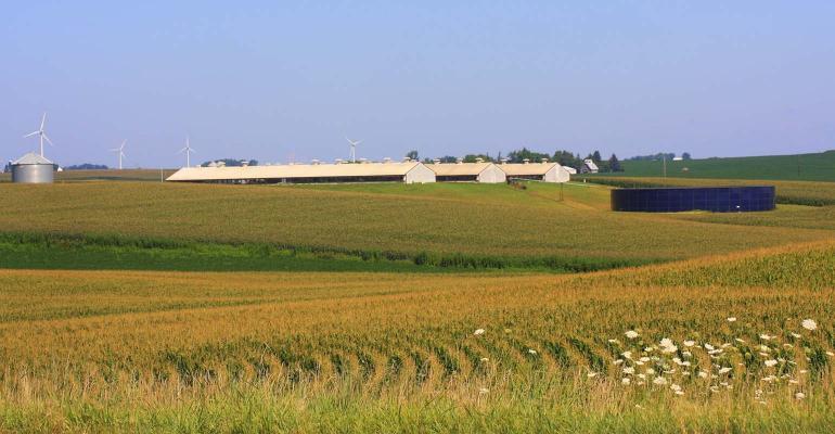 hog-barn-turbine-DarcyMaulsby-ThinkstockPhotos