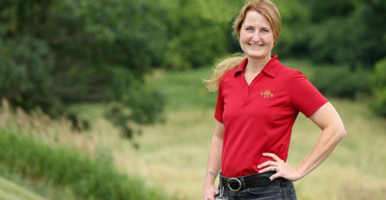 Suzanne Millman is an applied ethologist, whose research interests include animal welfare assessment, pain and sickness behavior, and practical solutions to address farm animal production environments.