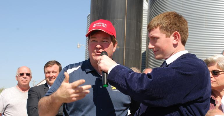 David Struthers, pork producer talks with Sec. Perdue about Foreign Animal Disease