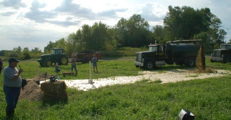 This manure spill response demonstration at the recent North American Manure Expo was designed to provide handson training to Expo attendees on ways to deal with a serious manure spill