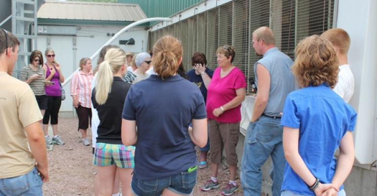 Touring hog operations helps urban dwellers gain perspective