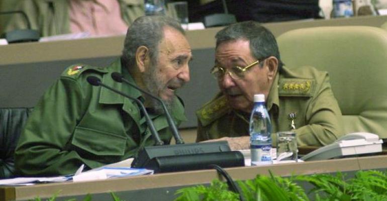 Fidel Castro and his brother Raul Castro